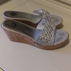 💎💛Yellow Box Pearl & Rhinstone Sandals Sz 7.5